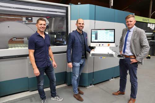 Produktionsleiter Matthias Uhrfahrer, Prokurist Christoph Hofer und Salvagnini-Verkaufsleiter David Mörtenböck